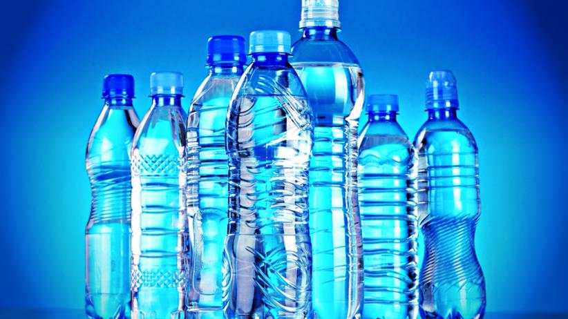 Pijemy... plastik! Potwierdzono, że ma go 90. proc. butelkowanej wody
