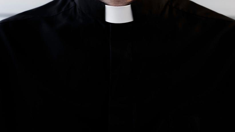 Powstała infolinia dla osób pokrzywdzonych przez księży