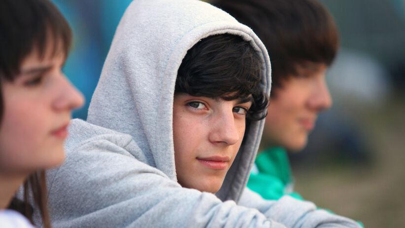 Nastolatek w domu: jak do niego dotrzeć?