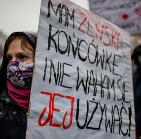 Piotr Hukalo/East News#Feminatywy#Podczas Manify w Tru00f3jmieu015bcie w 2021 r.|north