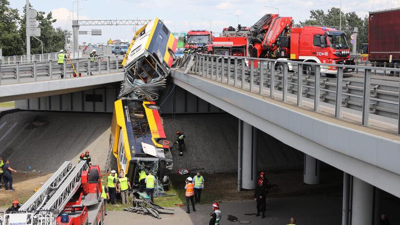 Wypadek autobusu w Warszawie/fot. Tomasz Jastrzebowski REPORTER