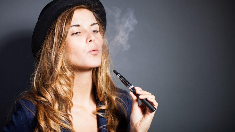 Nastolatki nie powinny używać e-papierosów
