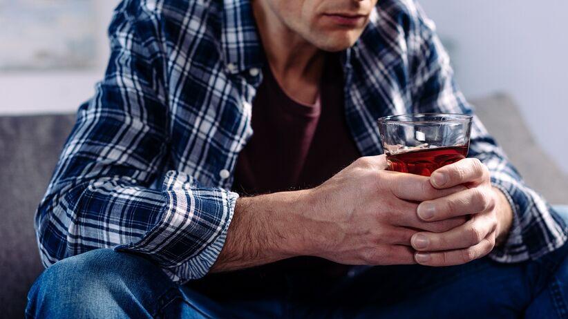 Alkohol sieje spustoszenie w organizmie. Jakie narządy niszczy?