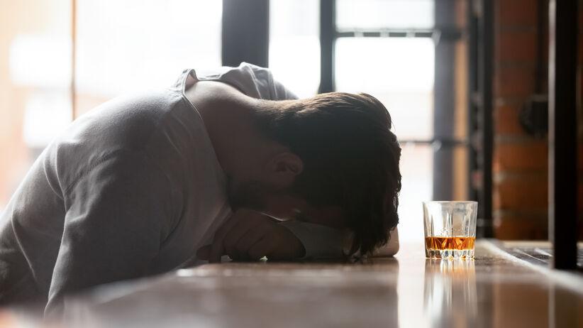 Alkoholizm: jak zrozumieć tę chorobę?