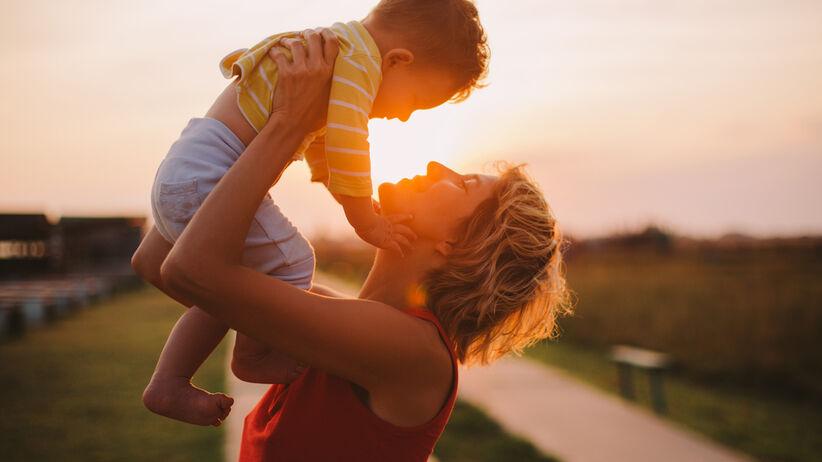 Co robi z dzieckiem nadmierna troska rodzica?