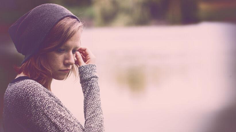 Młodym ludziom doskwiera samotność.