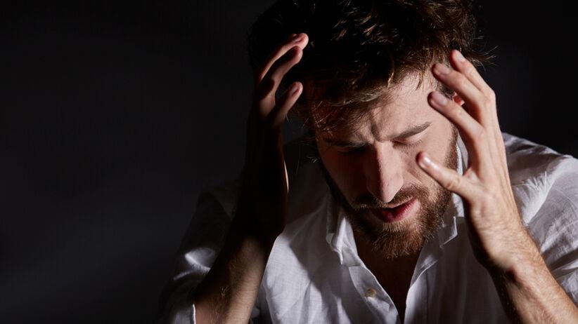 mężczyzna ze schizofrenią