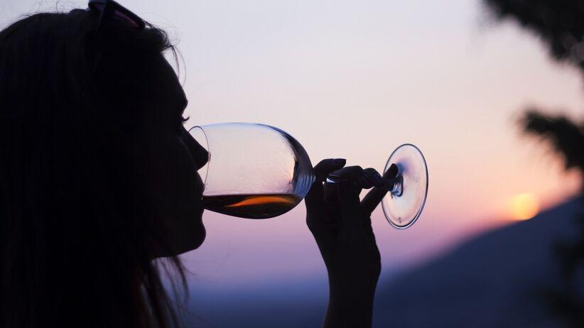 Alkoreksja - niebezpieczny trend wśród młodych kobiet
