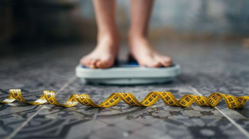 Mózg a zaburzenia odżywiania. Co wywołuje nadmierne chudnięcie lub otyłość?
