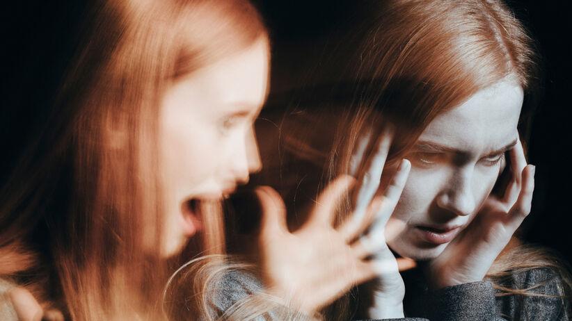 Głosy w głowie to objaw schizofrenii