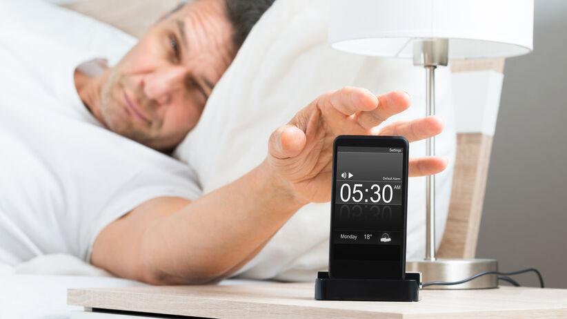 Rodzaj budzika może wpływać na efektywność w pracy