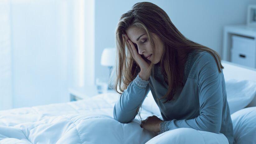 Badania: ślady niedoboru snu utrzymują się w organizmie przez tydzień
