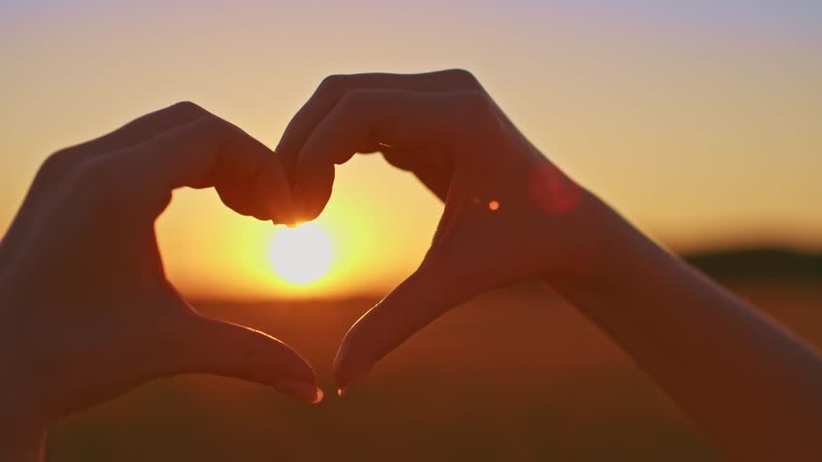 Miłość nie lubi mroku. Męskie libido pobudza jaskrawe światło