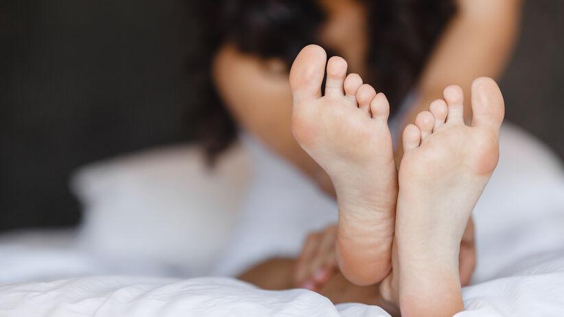 Zimne stopy i ręce: przyczyny.