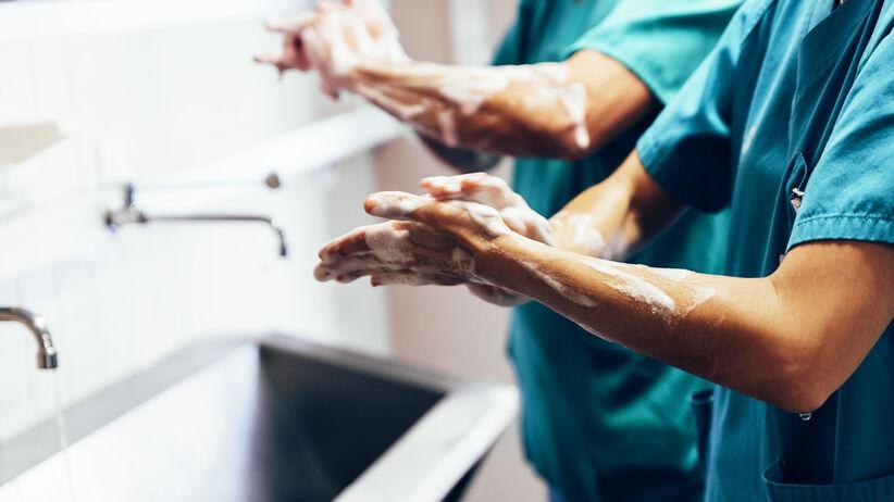 Jak myć ręce, żeby pozbyć się bakterii?