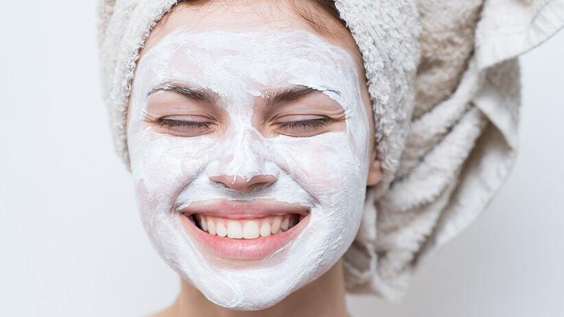Maseczka (maska) pielęgnacyjna na twarz