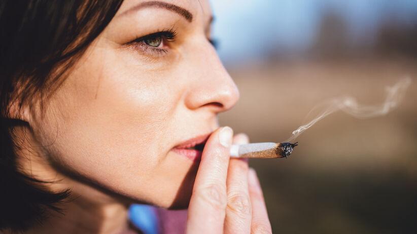 Palenie papierosów negatywnie wpływa na skórę