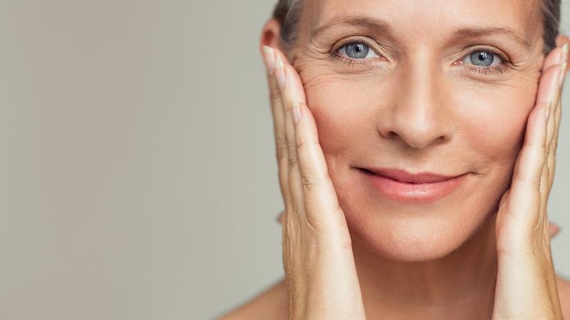 Skóra twarzy - jak o nią zadbać? Dermatolog Ci tego nie powie!
