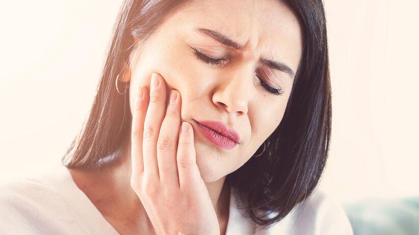 Ból zęba: przyczyny i inne dolegliwości