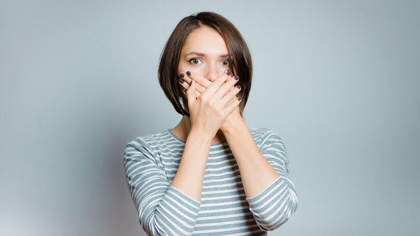 8 chorób, których objawem jest brzydki zapach z ust