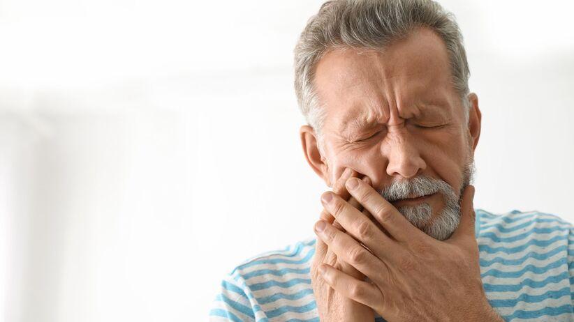 Choroby przyzębia zwiększają ryzyko udaru