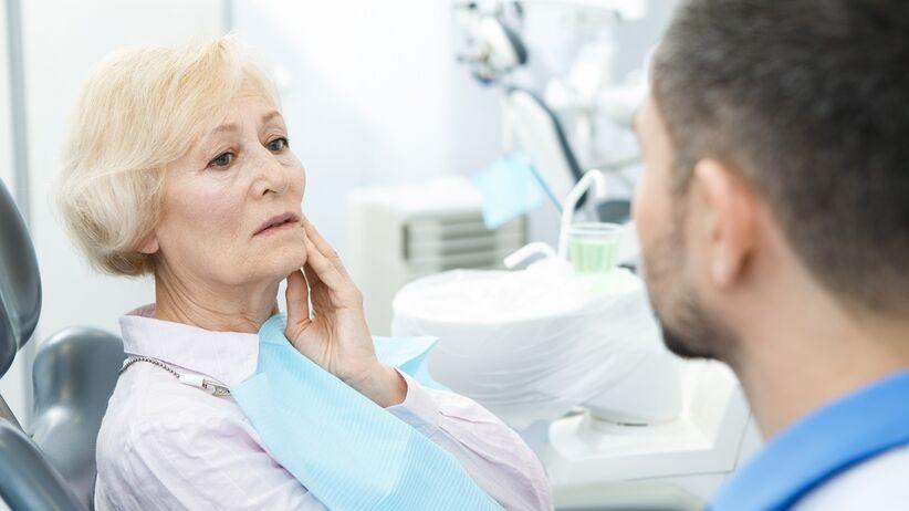 Leczenie zębów u seniorów