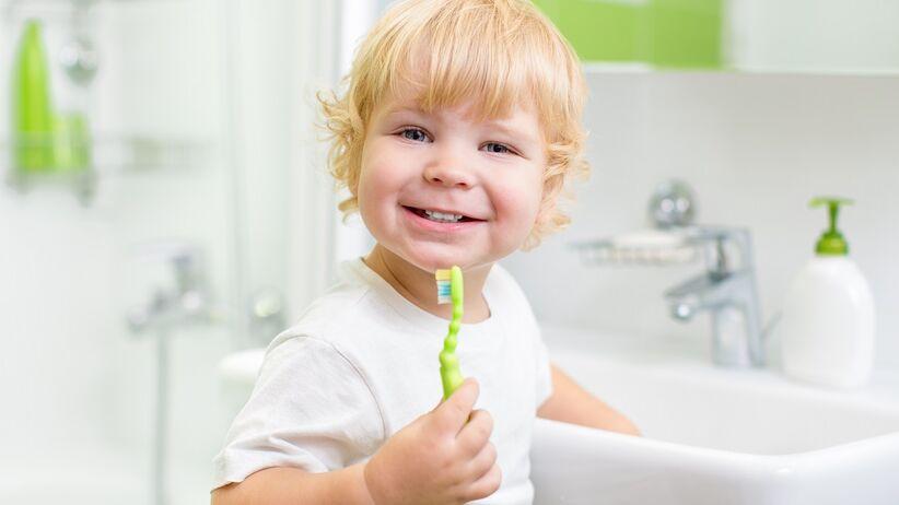 Mleczne zęby - jak o nie dbać?