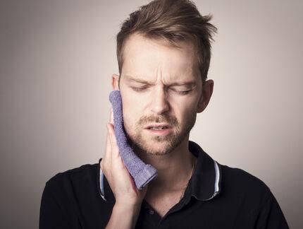 Ból spowodowany wyżynaniem się zęba mądrości