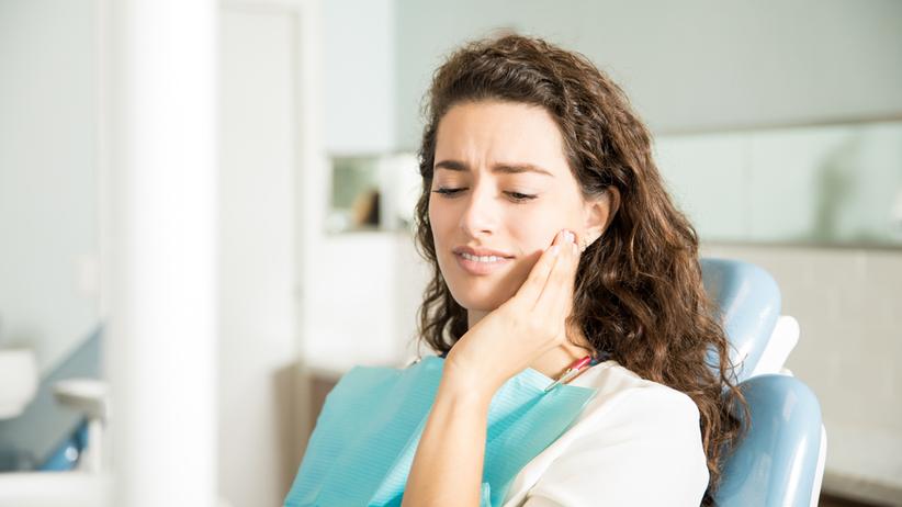 Zgorzel zęba powoduje ból