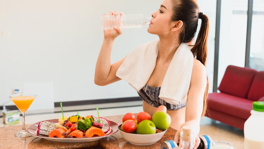 Po treningu częściej decydujemy się na niezdrowe jedzenie