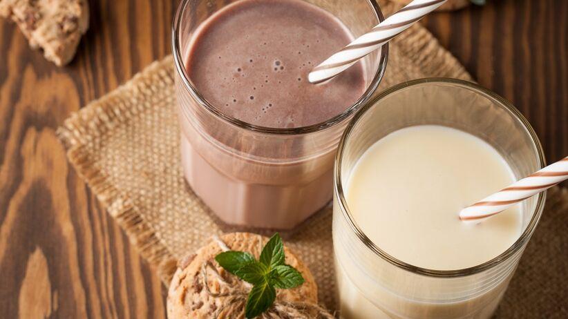 Koktajle białkowe - czy warto je pić po treningu?