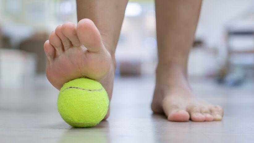 Masaż piłką tenisową - łagodzenie bólu
