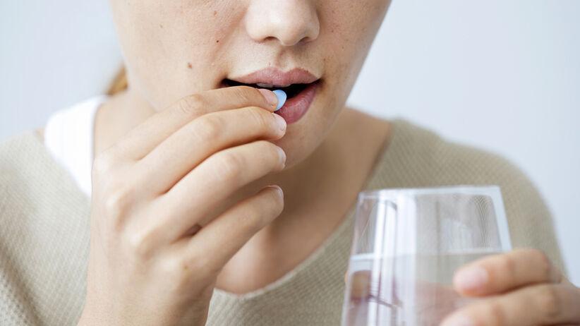 Leki po połknięciu przechodzą długą drogę, by trafić tam, gdzie powinny.