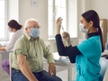¿Deben repetirse las vacunas COVID-19?