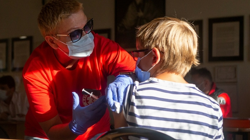 Szczepienia dzieci w szkołach
