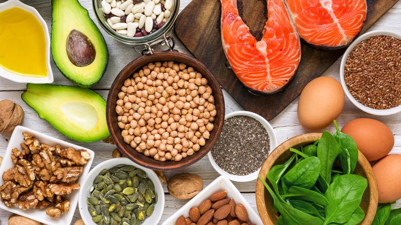 Poziom złego cholesterolu można obniżyć stosując odpowiednią dietę