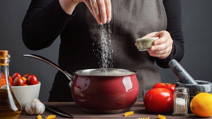 Jak jeść mniej soli?