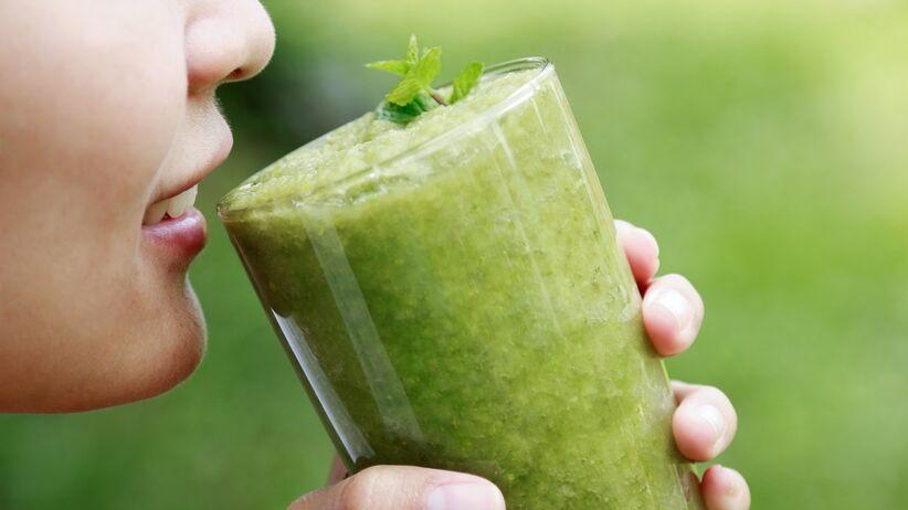 Co się stanie, gdy wypijesz sok z selera na pusty żołądek? Efekty zaskakują