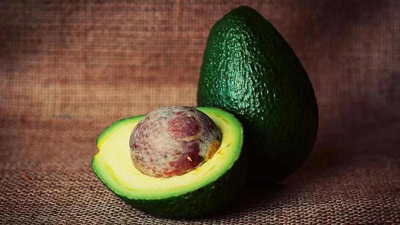 Wszystko co musisz wiedzieć o awokado – jak wybrać i przygotować?