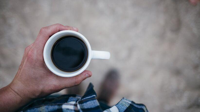 Kawa rozouszczalna w kubku