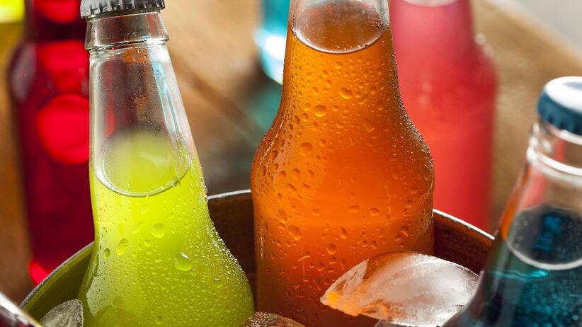 Lubisz słodkie napoje? Naukowcy ostrzegają