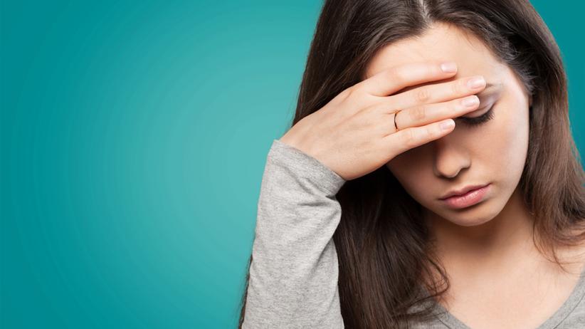 Niedobór witaminy B12 objawia się nawracającym bólem głowy