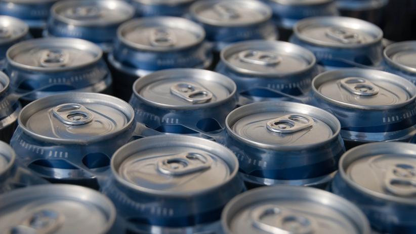 puszki, napoje, energetyki, cola, pepsi
