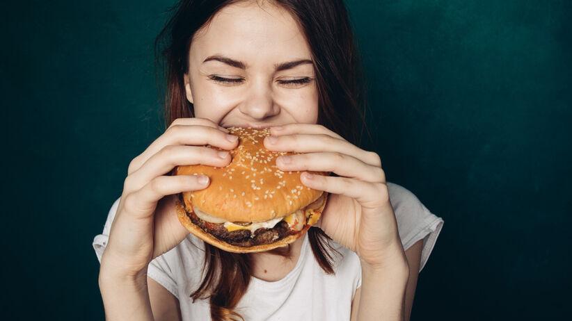 Fast food, dieta, kobieta, bezpłodność