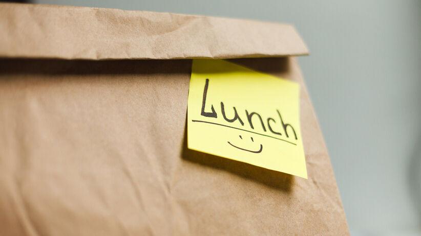 Jak jeść zdrowiej w pracy?