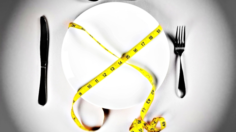 Wielki Post, czyli jak na nasz organizm wpływa głodówka?