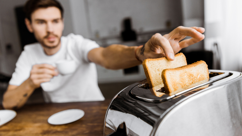 Przypalone tosty mają więcej akrylamidu