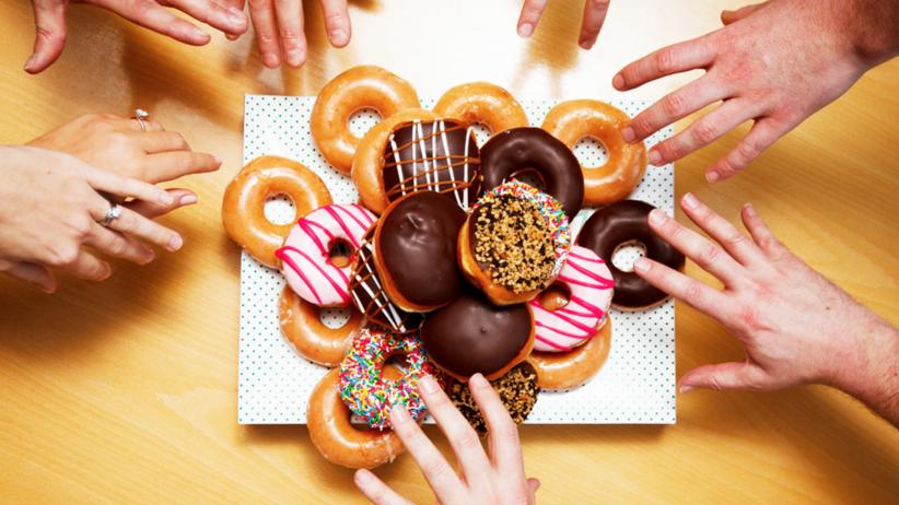 Ile kalorii ma pączek i jak właściwie wpływa na nasze zdrowie?