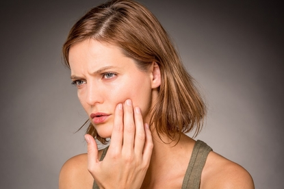 Jak złagodzić ból zęba domowymi sposobami?