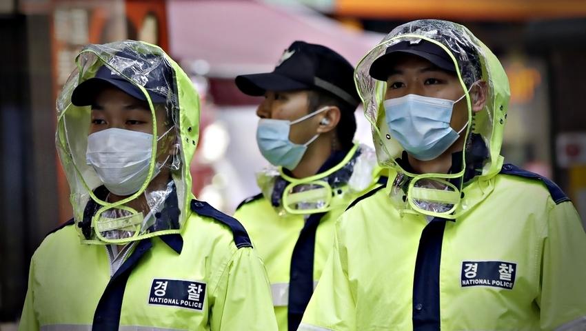 Chiny: Pierwszy człowiek na świecie zakażony wirusem ptasiej grypy